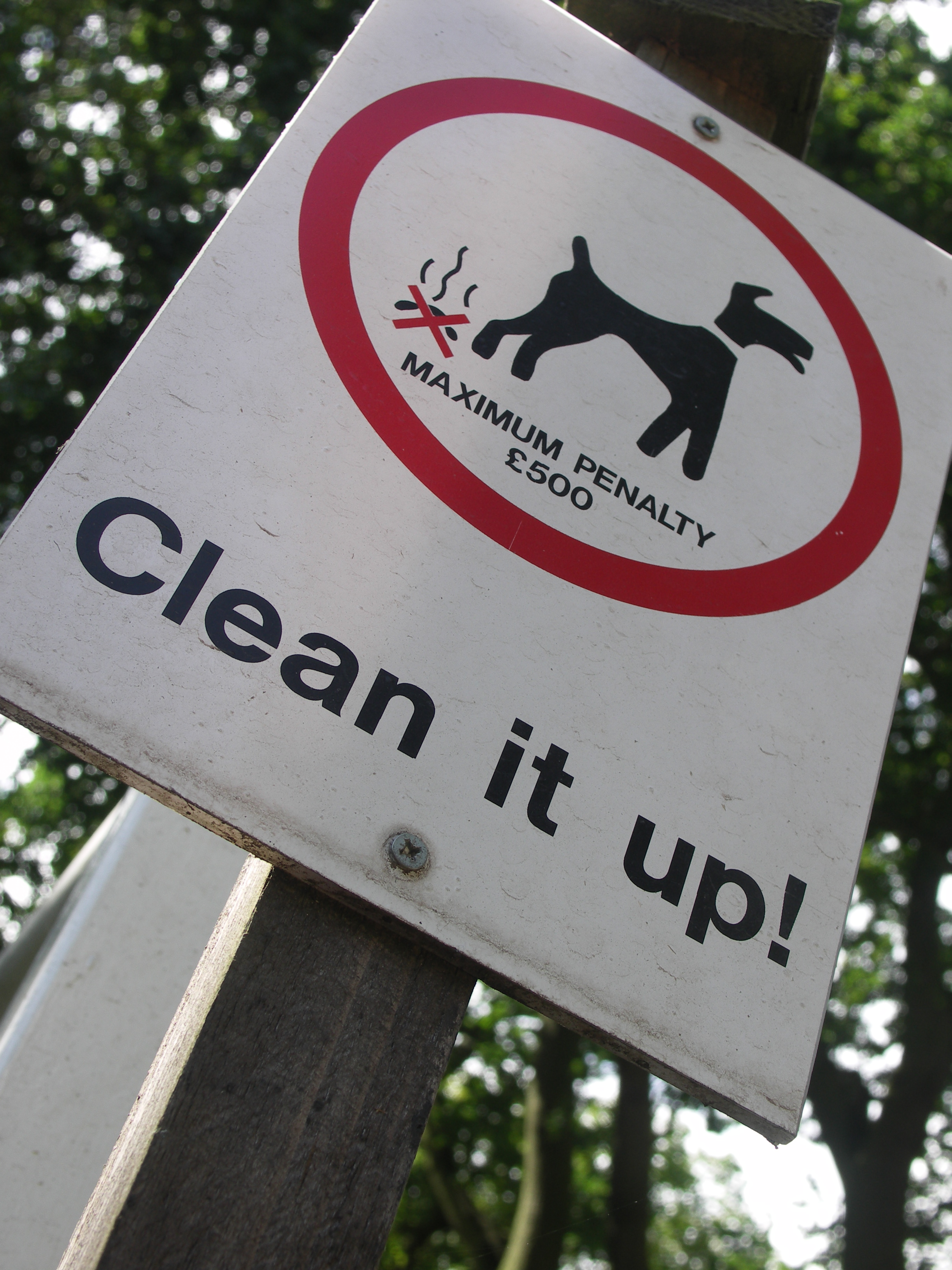 No dog fouling sign in Leek Wootton